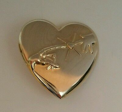 E.T. Movie Gold Tone Heart Pin from Universal Studios and Variety C.C.