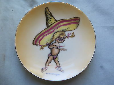 AUSTRALIAN BROWNIE DOWNING PLATE SMALL 10 cm GIRL with HUGE SOMBRERO