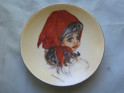 AUSTRALIAN BROWNIE DOWNING PLATE SMALL 10 cm GIRL WEARING RED SCARF