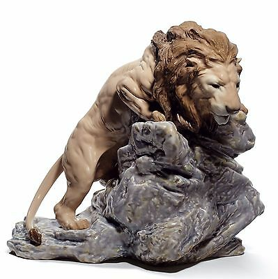 Lladro Lion  01008656  LION POUNCING 8656   New in a Box