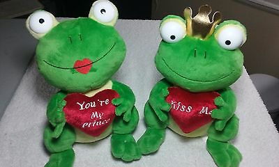 People Pals Plush Stuffed Valentine Frogs (Prince & Female) With Heart Notes Toy