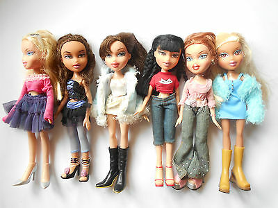LOTTO BRATZ dolls
