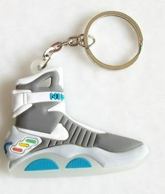 Porte cles retour vers le futur basket nike air back to the future keychain