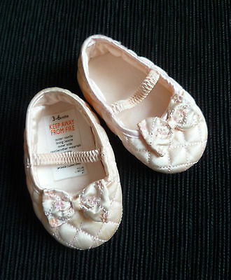 Baby clothes GIRL 3-6m Baby Boutique pink quilted satin-style bow shoes/ballet