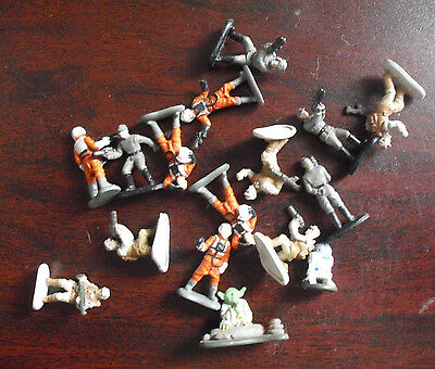 "Lot of 16 Miniature Plastic Star Wars Figurines 1/2 to 7/8"" Tall"