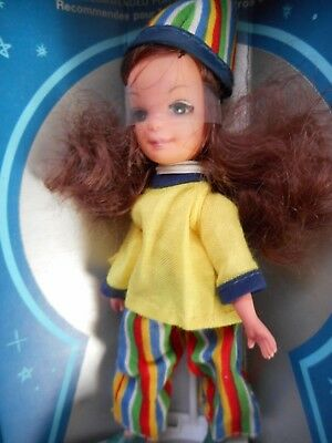 Rare ! Uneeda Tiny Teen Doll With Real Lashes # 1062 French / Canadian Version