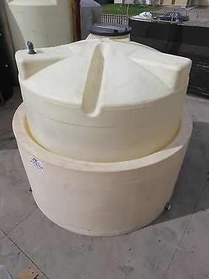 5000 gallon poly tank with secondary containment