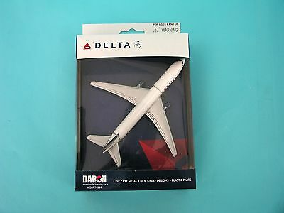 DARON REALTOY RT4994 Delta Air Lines Boeing 767 1/375 New Livery Diecast. New