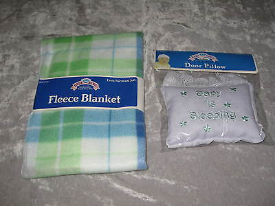 Baby Sleeping Door Pillow Green Fleece Plaid Blanket Soft Warm 28x28 NEW!