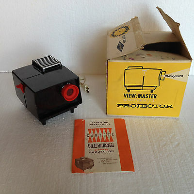 Vintage Sawyers View-Master Deluxe Projector 2421, in Box! Made of Bakelite!!