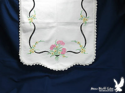 Dresser Buffet Scarf Runner Hand Embroidered Daisy Flowers Carnations Vintage