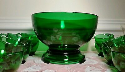 VINTAGE FOREST GREEN PUNCH BOWL W/ BASE +12 CUPS ANCHOR HOCKING 14 pieces total.