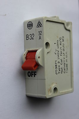 Wylex Stotz B32 32A push type plug in 2-pin fuse