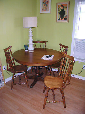 S. Bent & Bros Colonial Table(4' => 6') and 4 Chairs