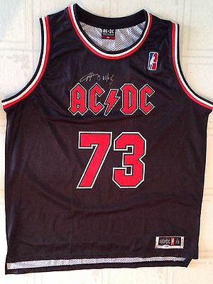 ANGUS YOUNG AC/DC Signed CHICAGO BULLS Basketball JERSEY + PSA DNA AC DC