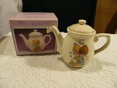 Precious Moments StonewareTeapot Love One Another 48 oz. NIB