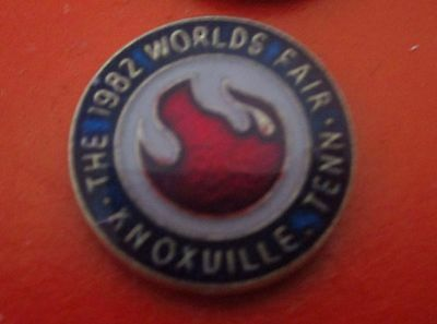 1982 WORLD'S FAIR Knoxville Tennessee lapel button pin