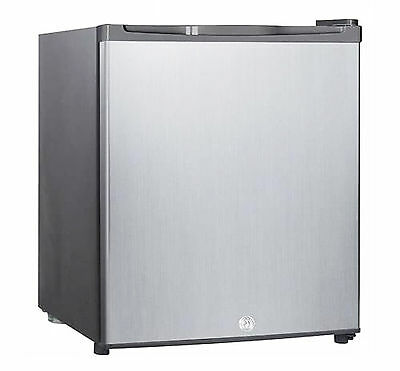 Igenix Stainless Steel Counter Table Top Fridge with Lock IG6711