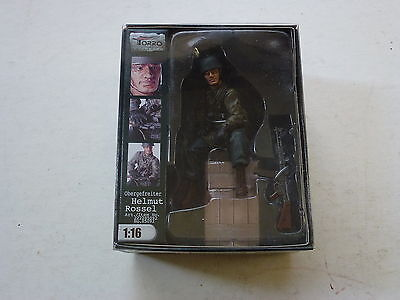 "Torro 1/16 Hand-Painted Tank Crew Figures ""Obergefreiter Helmut Rossel"""