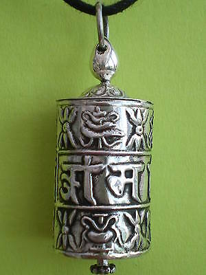 PRAYER WHEEL PENDANT w PROTECTION MANTRA (also on scroll inside) wt around 5g