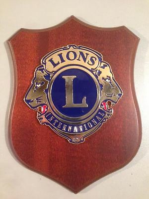 Crest in legno LIONS INTERNATIONAL crest of wood club