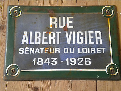 Original Vintage French Enamel Street sign Rue Albert Vigier Green edge 40s (1)