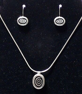 Twirl Whirl 925 Sterling Silver Earrings & Necklace Pendant Set