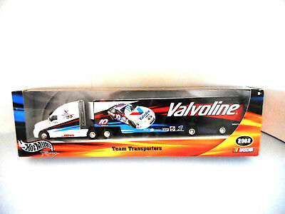 Hotwheels Nascar Transporter Valvoline 2002 Bosch 56803 Collectable Metal