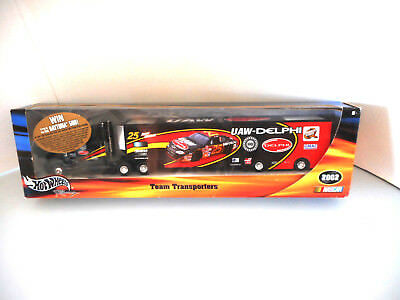 Hotwheels Nascar Transporter UAW-Delphi 2002 Jerry Madeau Collectable Metal