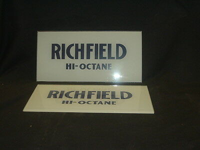 Richfield Hi-Octane Ad Glass - Bennett Or Wayne Gas Pump