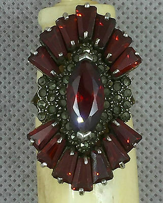 Vintage Solid Silver Ring with Garnet and Markatsity stones