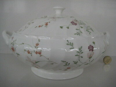 Wedgwood England Pretty Campion Dinner Service China Lidded Vegetable Tureen
