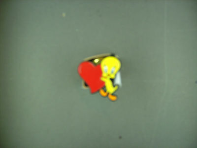tweety bird heart  pin