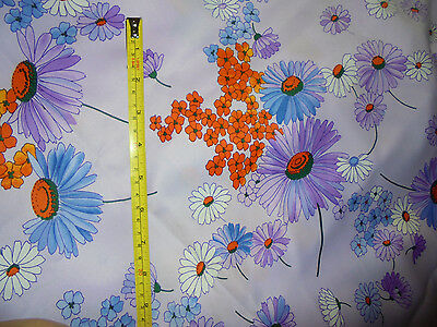 44x100 in lavender with daisy daisies vintage retro foral fabric material unique