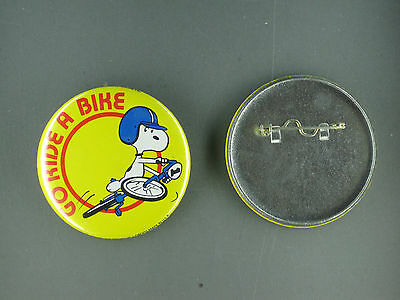 Snoopy Go Ride A Bike Vintage Button ( Butterfly Original)
