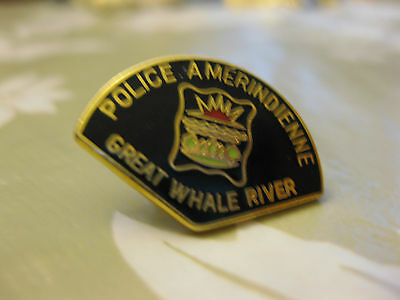Police Amérindienne Great Whale River  Pin Back  (Rare)
