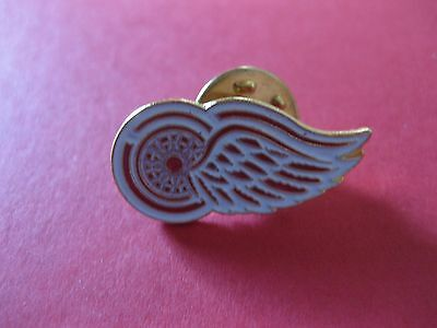 Detroit Red Wings Hockey Pin Vintage 1980
