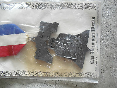 Vintage 1985 IVV AVA Volksmarch Liberty Bell Wanders Medal Pin