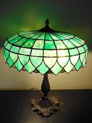 Antique Arts Craft Mission Nouveau Lilly Pad Stained Glass Table Lamp
