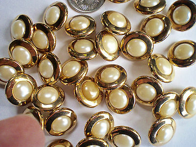 30 GOLD/PEARL CENTRE SHANK BUTTONS SIZE 15mm