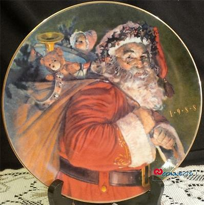 Avon Canada Christmas 1998 The Magic That Santa Brings Plate