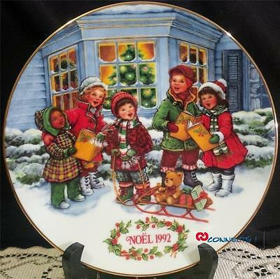 Avon Canada Christmas 1992 Perfect Harmony Plate