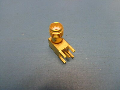 (1) TYCO 221790-1 SMA CONNECTOR 4GHz 50 OHM SMA RIGHT ANGLE SOLDER GOLD NEW