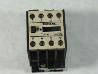 Siemens 3TH8031-0A Contactor 220V 2A  USED