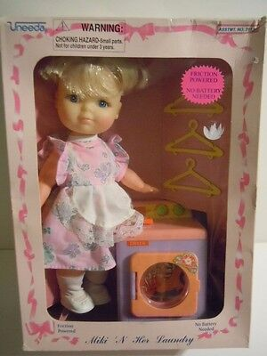 """Vintage Uneeda Doll Set 1994 """" Miki & Her Laundry """" Friction Power Real Dryer !"""