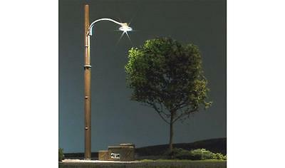 Woodland Scenics   N Wooden Pole Street Lights  WOO5638