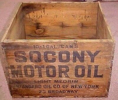 Old  Wood  Socony  - Standard  Oil Co. Motor Oil Crate  - Box  Ca Early 1900's