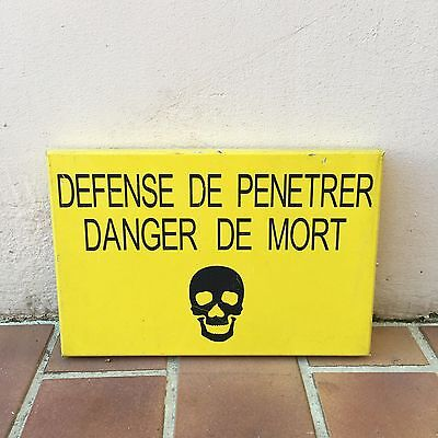 French Street Enamel Sign Plaque - DANGER DE MORT