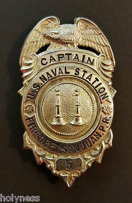 ANTIQUE METAL CAPTAIN BADGE / US NAVAL STATION / FIRE DEPT SJ PUERTO RICO 1930's