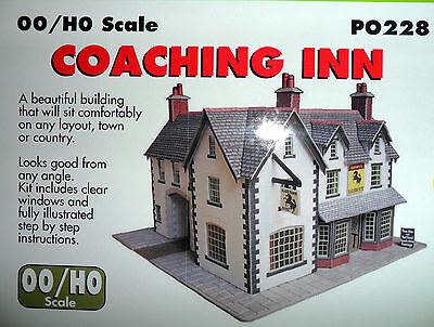 New Metcalfe Coaching Inn PO228 Suit Hornby